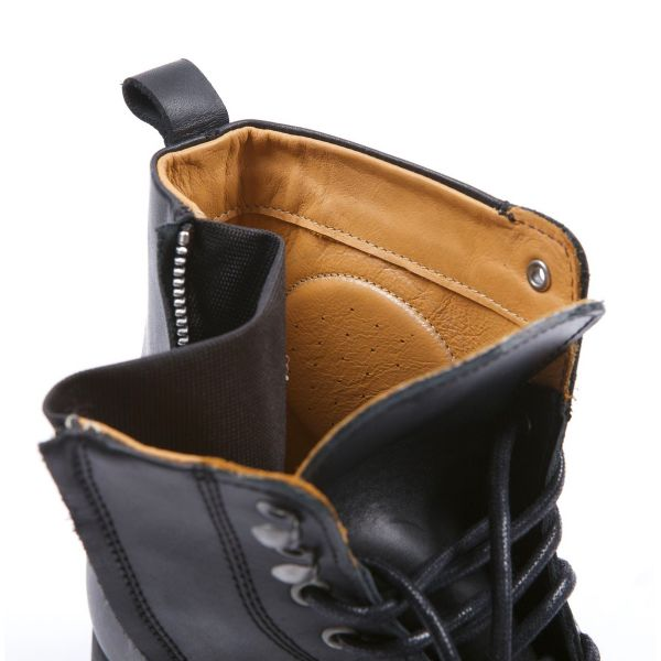 Helstons City Leather Black