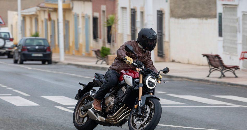 Quand-et-pourquoi-remplacer-son-casque-moto