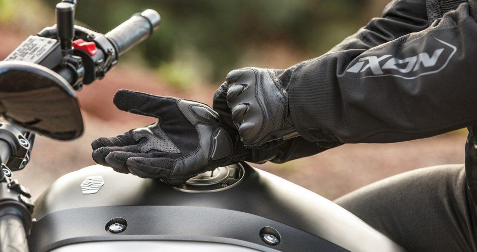 responsabilité-en-cas-de-non-port-des-gants-à-moto