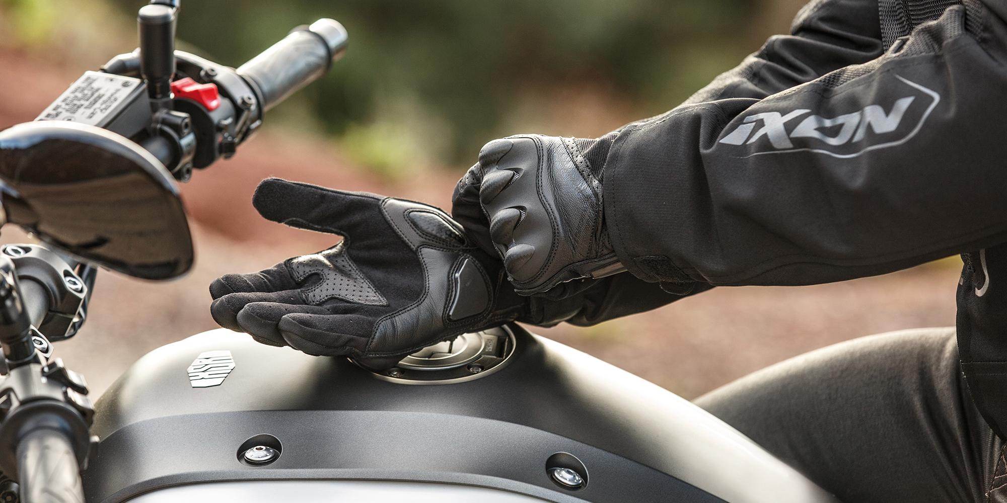 Votre responsabilité en cas de non-port des gants  Responsabilite%CC%81-en-cas-de-non-port-des-gants-a%CC%80-moto